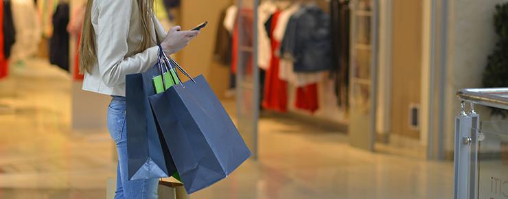 買い物依存性になった女性